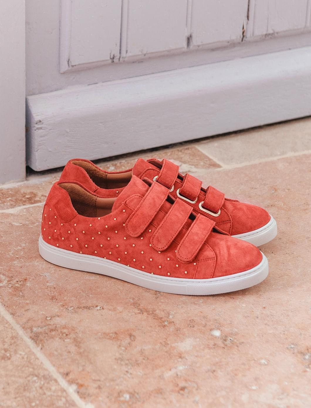 Sneakers - Brique et rivets dorés