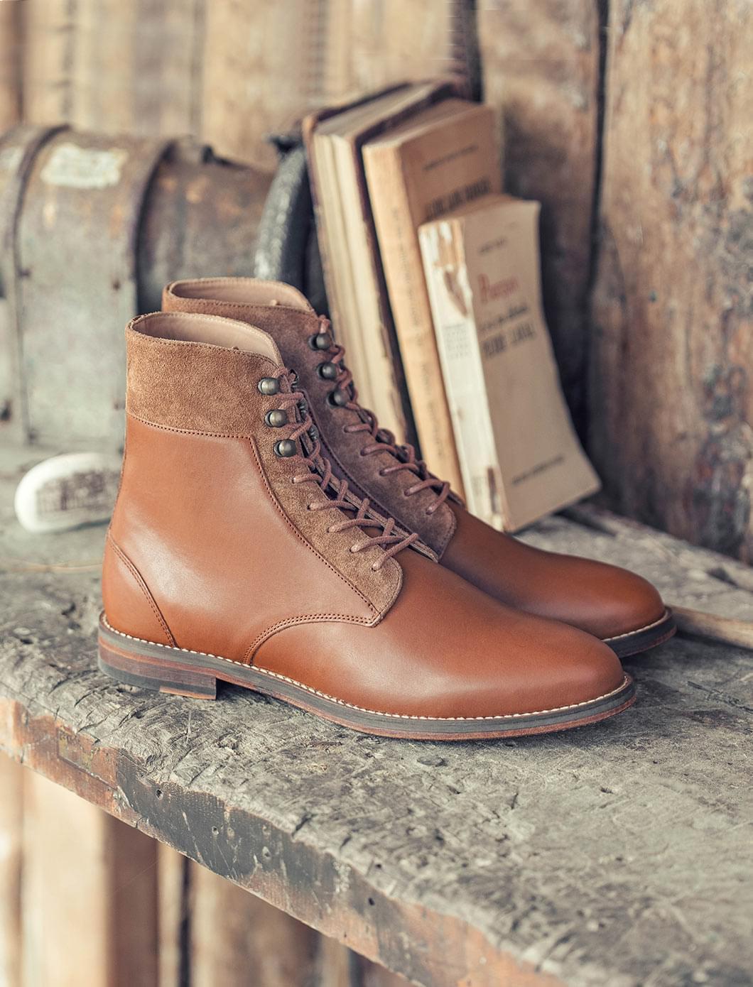 Combat boots à crochets - Cognac