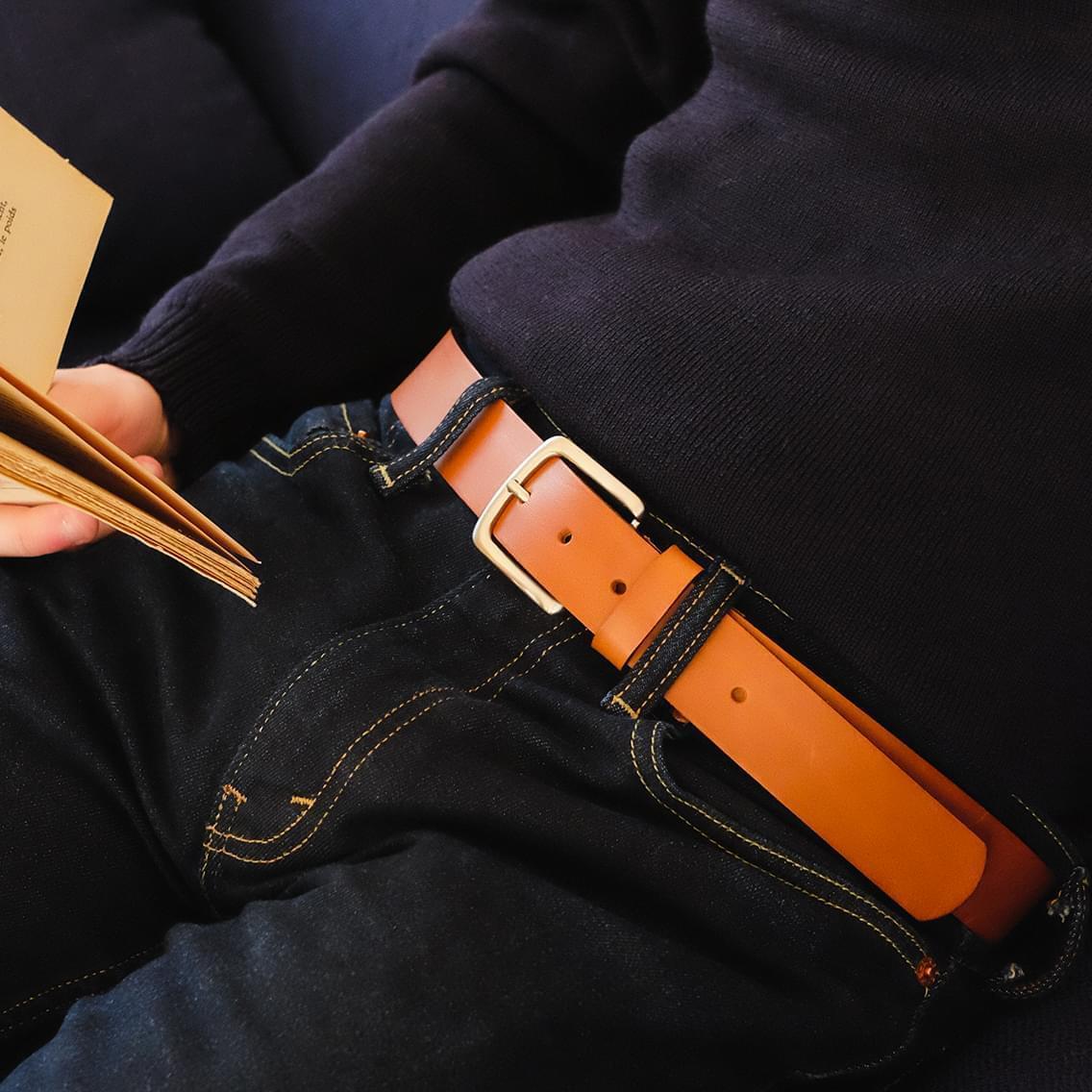 ba6c66dfb5c ... d une ceinture de luxe. Leur boucle en zamak est solide et élégante.  Nous travaillons avec les mêmes coloris de cuir que pour nos chaussures.